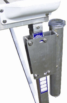 Flagpole & Mounting Bracket